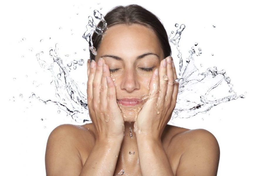 Jak prawidłowo nawilżać skórę twarzy
